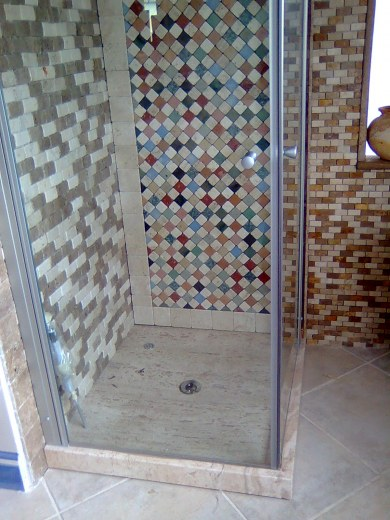 Gallery of piatti doccia le foto pietre e dintorni with docce in mosaico - Doccia a pavimento mosaico ...